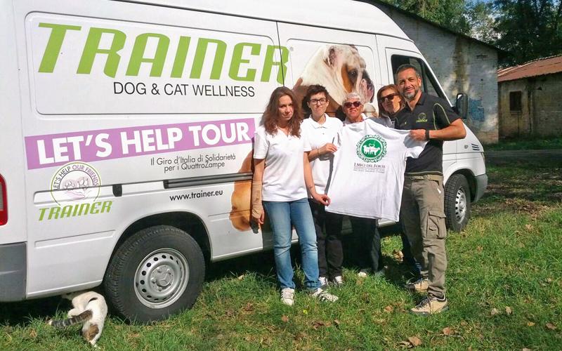 foto-furgone-let's-help-tour